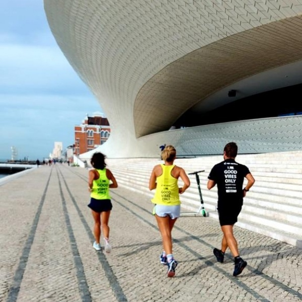 Correr sozinho ou acompanhado. Quais as vantagens?